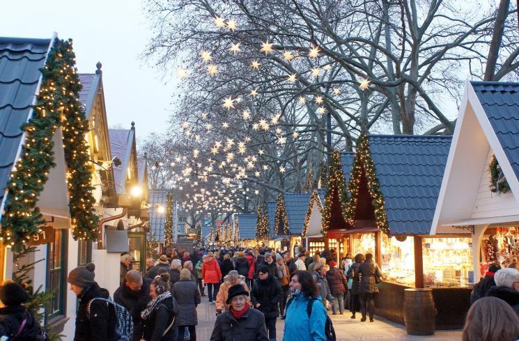 christmas-market-1060516_1920