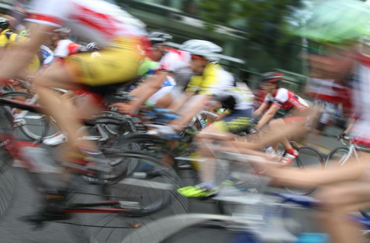 cycling-races-450310_1920