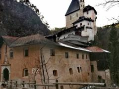 Il Santuario di San Romedio: l'orso è tra noi
